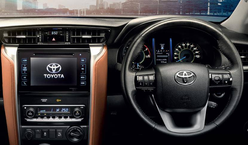 Toyota Fortuner 2016 interior