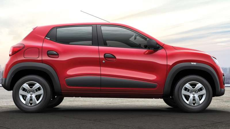 Renault Kwid side view red HD Wallpaper