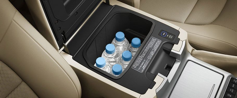 Toyota Land Cruiser bottle space