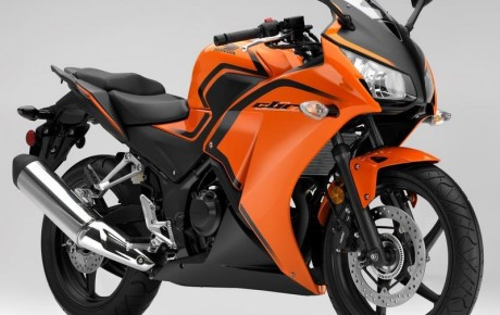 Upcoming New Honda CBR300R 2016 comes in India June 2016