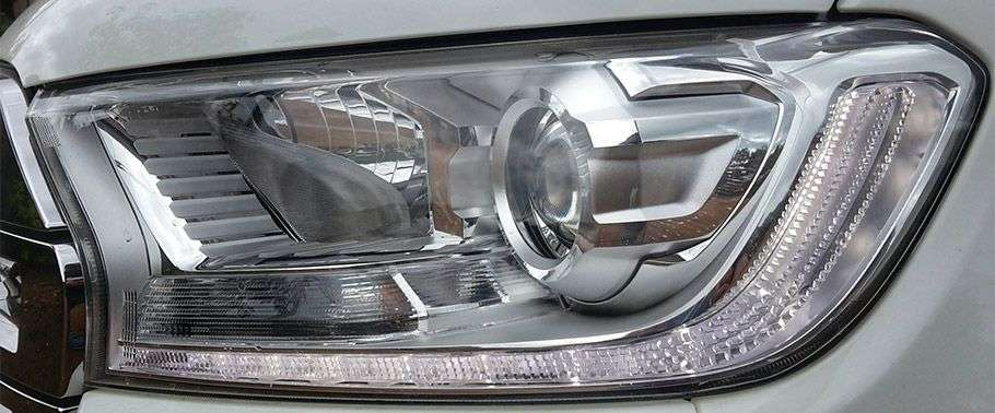 Ford Endeavour Headlight