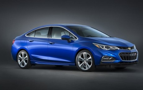 New Chevrolet Cruze 2016 launched in India at Rs. 14.68 lakh.