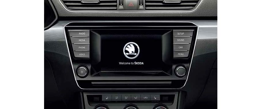 Skoda Superb Music System with LCD display screen
