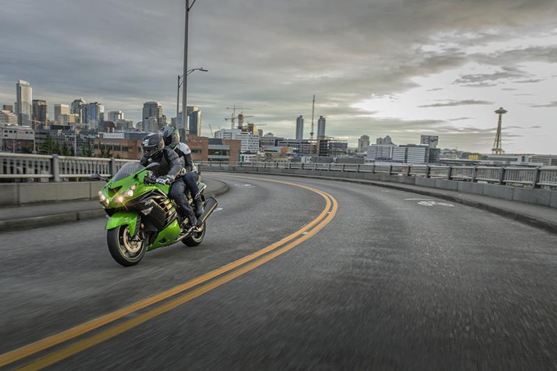 Kawasaki Ninja ZX-14R Photos | HD Images | HD Wallpaper ...