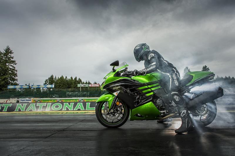Kawasaki Ninja Zx 14r Photos Hd Images Hd Wallpaper Car N Bike Expert