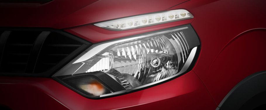 Mahindra NuvoSport Headlight