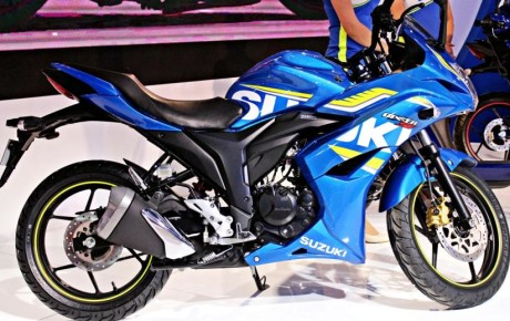 Suzuki Gixxer and Suzuki Gixxer SF Fi with Rear Disc Brake has showcased in the 2016 Auto Expo