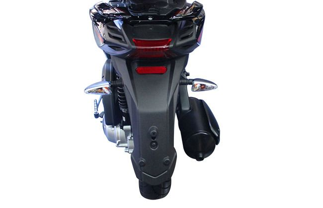 Aprilia SR 150 Rear View