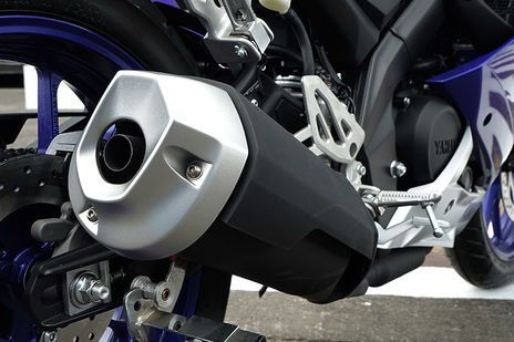 Yamaha YZF R15 v3 0 Expert Review, Advantage, Disadvantage